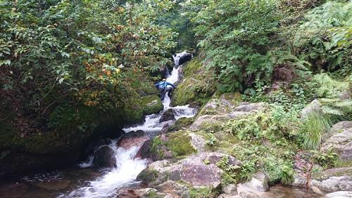 入渓地点の滝