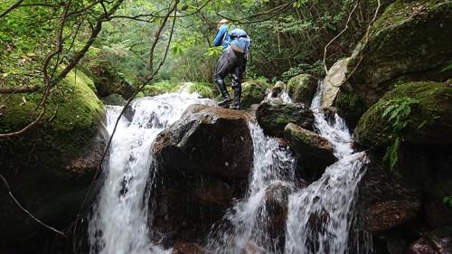 滝を越える