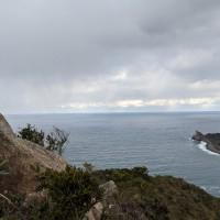 遠くに沖ノ島の島影が見える(肉眼では見えました)